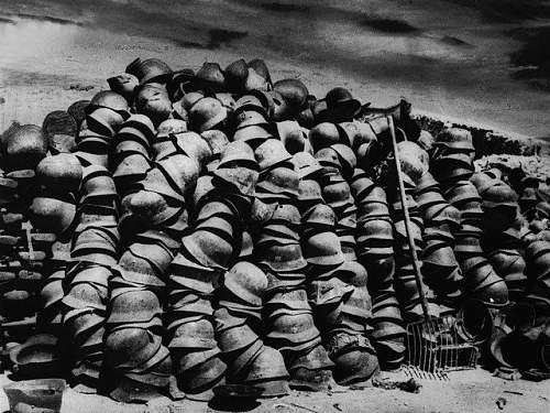 Click image for larger version.  Name:Stacks of German Helmets, May 9, 1944, by Yevgeni Khaldei.jpg Views:3724 Size:109.4 KB ID:52318