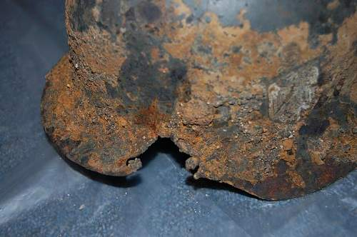 Click image for larger version.  Name:german helmet 007.JPG Views:55 Size:82.9 KB ID:55649