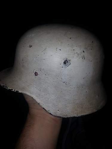 M40 Stahlhelm? Original White paint?