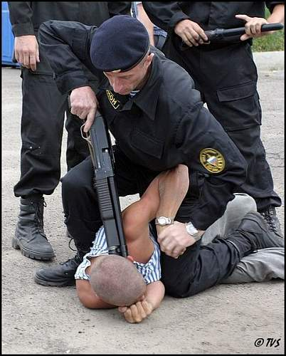 Click image for larger version.  Name:RUSSIA POLICE.jpg Views:32 Size:79.3 KB ID:580977