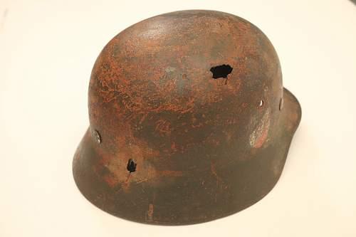 M35 tricolour helmet, decals/paint legit?