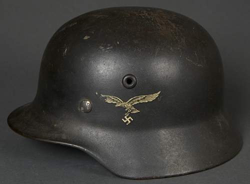 Opinions on this M40 SD Luftwaffe Helmet