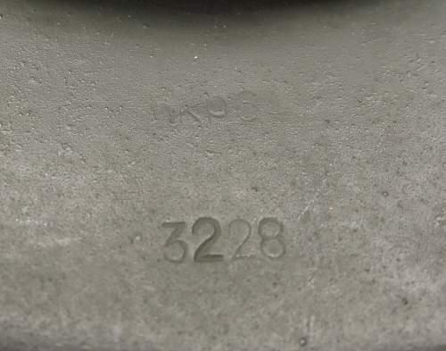 Click image for larger version.  Name:Heer M42 helmet 007.jpg Views:45 Size:206.8 KB ID:605475