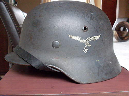 My First Helmet - Luftwaffe - few questions