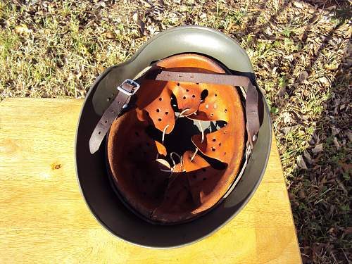 Click image for larger version.  Name:german helmet m40 005.jpg Views:35 Size:341.6 KB ID:656497