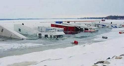 Click image for larger version.  Name:DearMissMermaidRV-campers-crash-through-thin-ice.jpg Views:18 Size:24.2 KB ID:671729