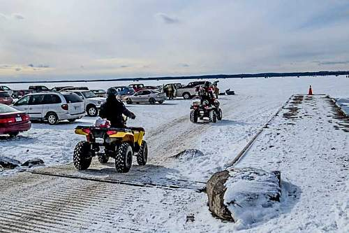 Click image for larger version.  Name:.1 - icefishing.jpg Views:45 Size:50.3 KB ID:671901