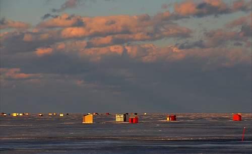 Click image for larger version.  Name:.1 - Ice Fishing on Lake Simcoe.jpg Views:59 Size:84.7 KB ID:671902