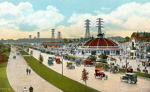 Click image for larger version.  Name:.111-Sunnyside_Boardwalk_Toronto_1931.jpg Views:32 Size:115.3 KB ID:675007