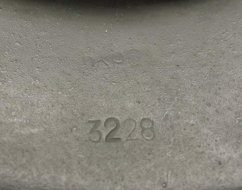 Click image for larger version.  Name:Heer M42 helmet 007.jpg Views:8 Size:206.8 KB ID:676946