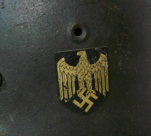 German M42 Helmet - Army or Navy?