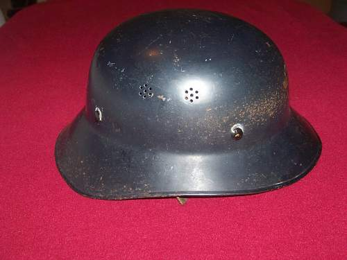 Austrian flat rim police luftschuts helmet