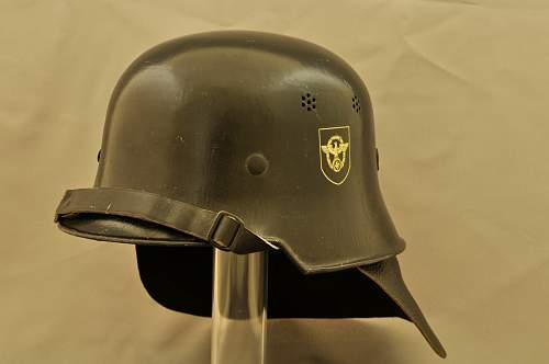 Click image for larger version.  Name:German helmet bg2.jpg Views:50 Size:43.6 KB ID:776362