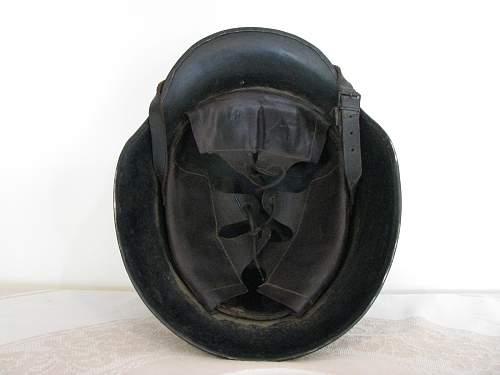 No Decal Black Droop Bill Helmet - Complete