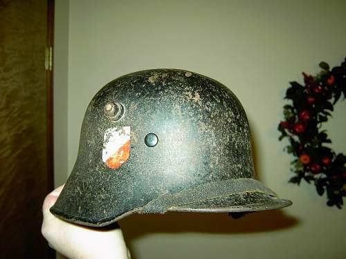 Click image for larger version.  Name:nazi helmet 001.JPG Views:236 Size:91.0 KB ID:77852