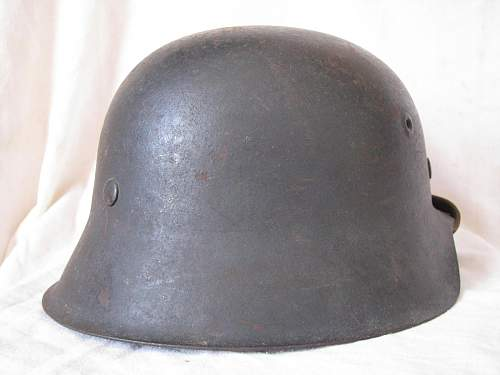 M42 Single Decal Luftwaffe Helmet - ckl 62 - Lot # 2725