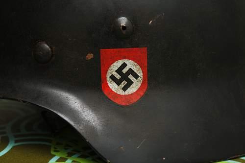 Fake or genuine SS helmet M35/M40?