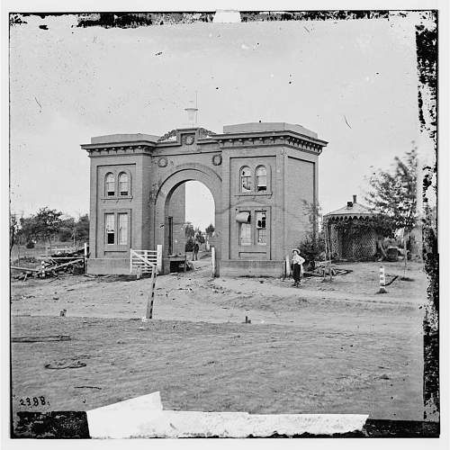 Click image for larger version.  Name:Gatehouse.jpg Views:23 Size:167.3 KB ID:825293