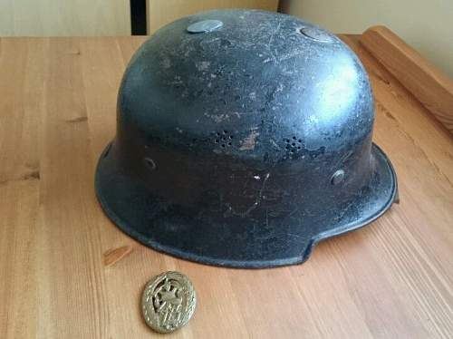 German World War II Firefighters Helmet - Bad deal?