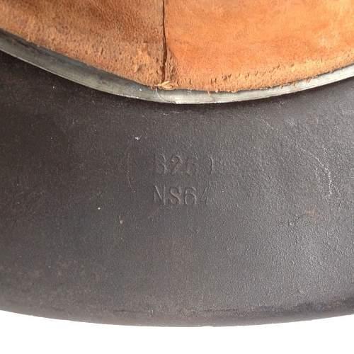 M42 stahlhelm makers mark question