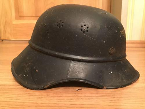 Is this original LUFTSCHUTZ helmet?