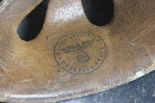 Thoughts on this liner stamp that's on a luftschutz helmet