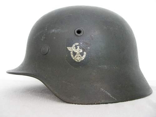 M40 Double Decal Combat Police Helmet - ET62 - Lot # 1051 - Unbordered Police Adler
