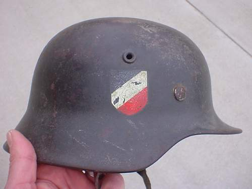 In this Army DD MD40 Helmet 100% Authentic???