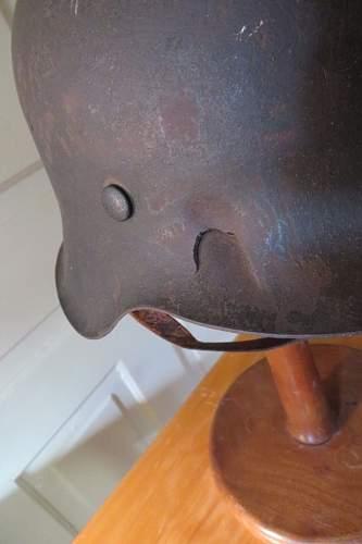 Need help on this M42 helmet