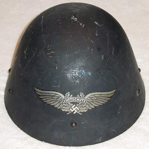 Click image for larger version.  Name:luftschutz-czech-capture-helmet.jpg Views:11 Size:87.9 KB ID:982472