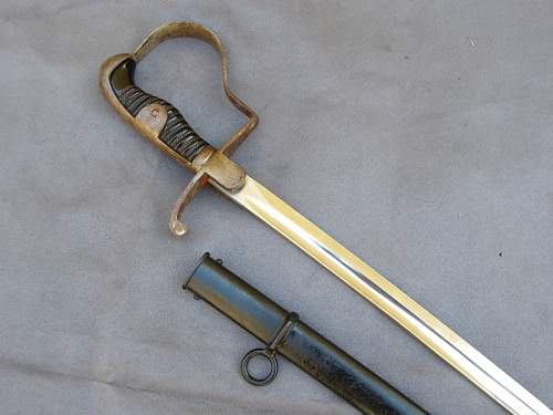 What do you think about this Heer saber/sword?