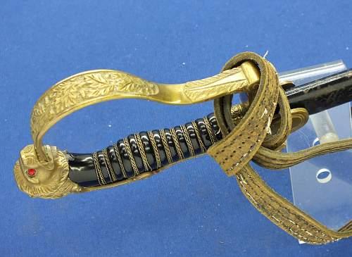 Do the Heer Lion Head Swords often use rat tail type tangs?