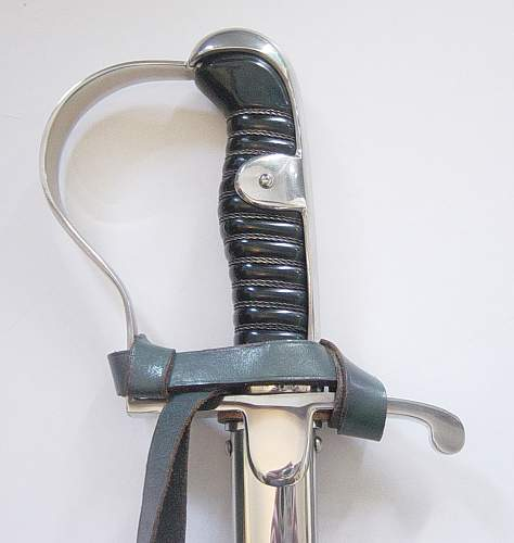 Click image for larger version.  Name:Heer cavalry NCO's sword 002.jpg Views:146 Size:119.7 KB ID:41898