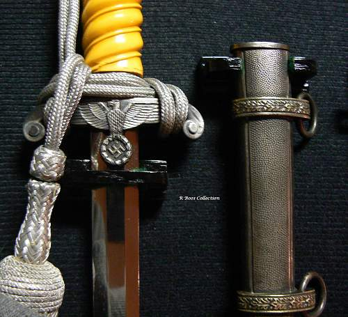 Displaying, Daggers and Swords....Photos and Tech tips!