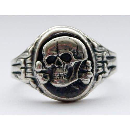 Click image for larger version.  Name:SS german ring.jpg Views:2502 Size:49.5 KB ID:119404