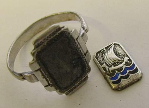 Salty Estonian patriotic ring