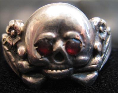 Help identifying Totenkopf ring?