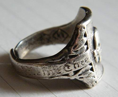 Click image for larger version.  Name:skull ring #2.jpg Views:78 Size:262.4 KB ID:375659