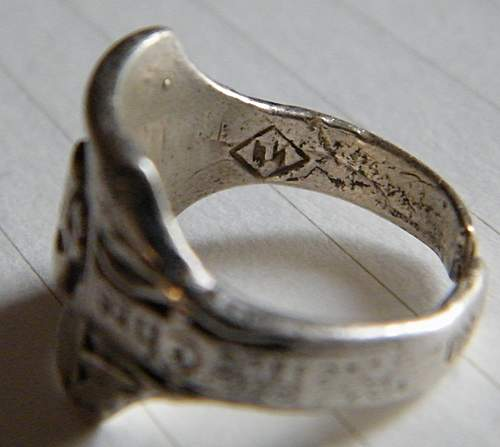 Click image for larger version.  Name:skull ring #5.jpg Views:93 Size:308.8 KB ID:375662