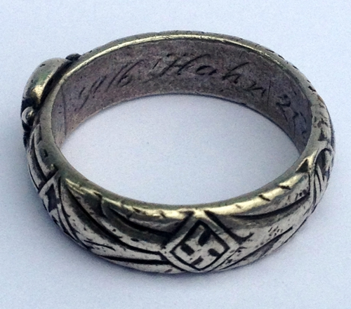 SS Honour Ring for discussion - named to 'Hahn'.