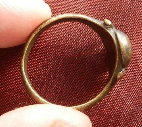 Any idea's on this ring?