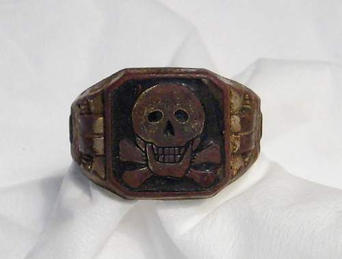 Unknown SS ring found in Hungary
