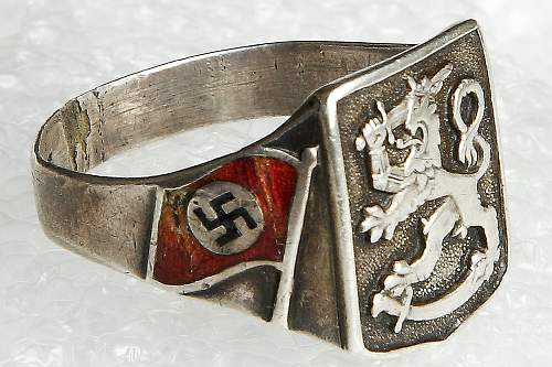 ring with finland flag