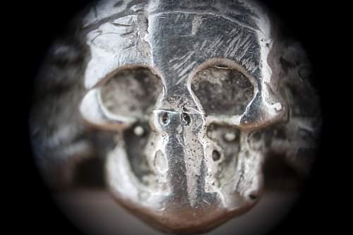 Click image for larger version.  Name:ring_skull_det.jpg Views:14 Size:199.2 KB ID:662317
