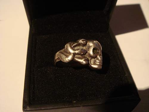 Click image for larger version.  Name:skull ring 008.jpg Views:23 Size:219.0 KB ID:731493