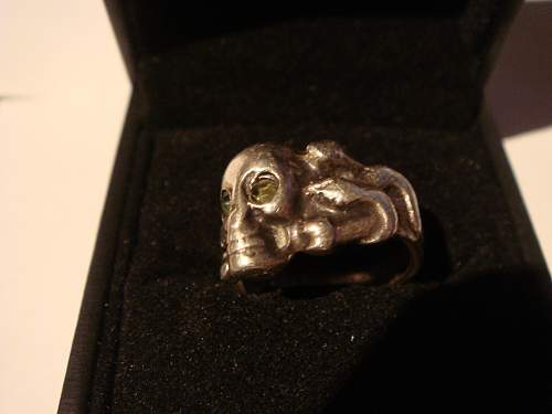 Click image for larger version.  Name:skull ring 013.jpg Views:23 Size:221.1 KB ID:731494