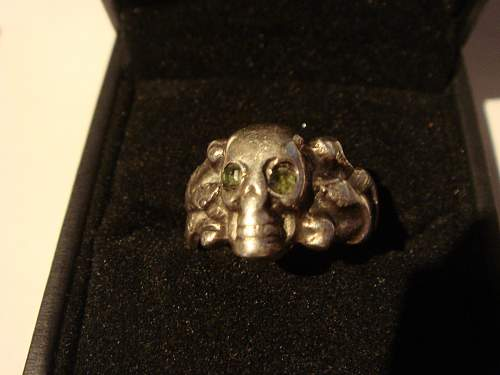 Click image for larger version.  Name:skull ring 014.jpg Views:20 Size:215.3 KB ID:731495
