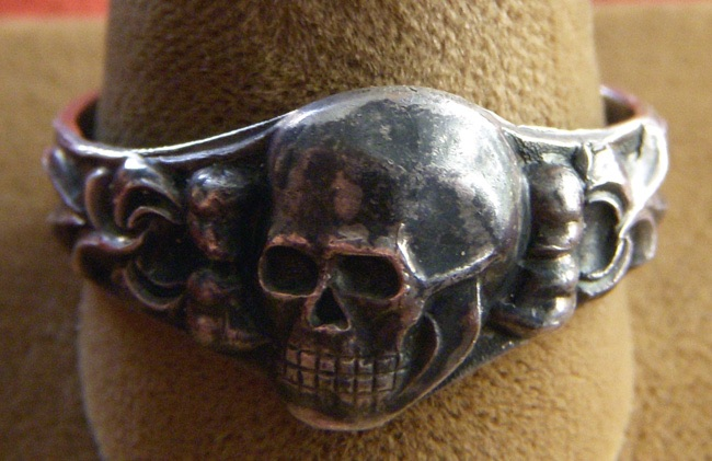 Nazi Skull And Crossbones Ring