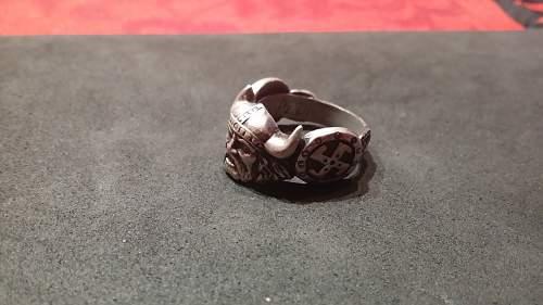 5-SS Pz. Div silver ring..?