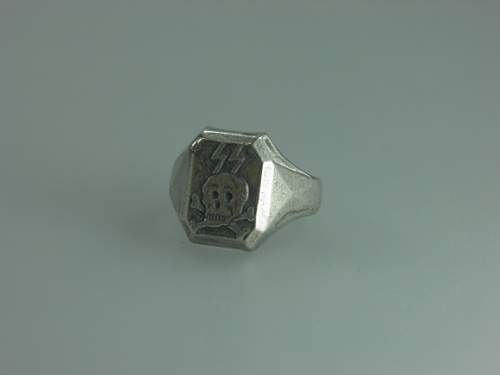 Click image for larger version.  Name:o_ww2-german-waffen-ss-elite-death-head-silver-ring-4763.jpg Views:66 Size:96.4 KB ID:917957